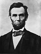 LincolnBust180.jpg